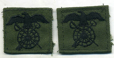 US Army VIETNAM ERA QUARTERMASTER CORPS OFFICER COLLAR INSIGNIA ON OD TWILL