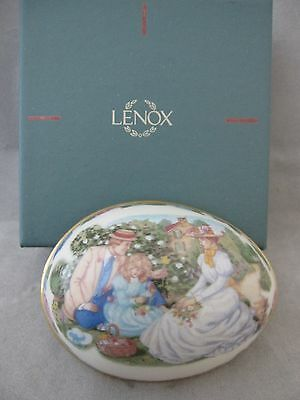 """Lenox China Easter Egg """"gathering Memories"""" Limited Edition 1990 New In Box"""