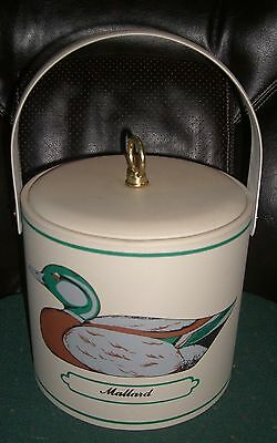 Georges Briard Vinyl Ice Bucket with Ducks,pre-owned in good condition