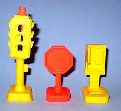 Vintage Fisher Price 3 Pc.traffic Signs & Light For F.p. Village Vgc