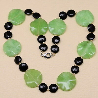 "EXCELLENT! 19 3/8"" GREEN JADE, BLACK ONYX GEMSTONE NECKLACE"