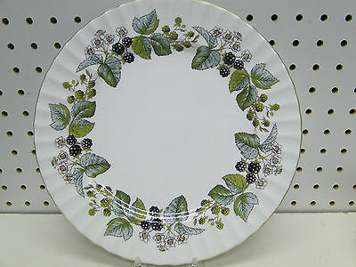 Royal Worcester Lavinia Dinner Plates Z2821 10 5/8in white bone china