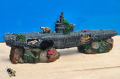 Submarine U Boat Rocks War Sub Wreck Ornament Aquarium Fish Tank New