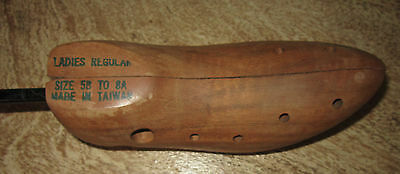 ANTIQUE Vintage Wood & Iron Womens Ladies Kids SHOE STRETCHER CAST IRON HANDLE