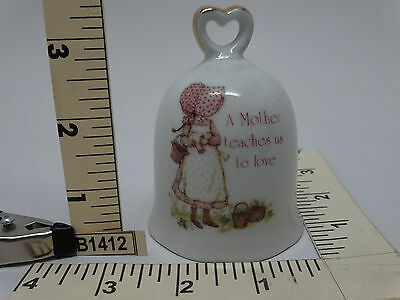 A Mother Teaches Us Love Holly Hobbie 1979 WWA Japan Gold Accents WHITE BELL