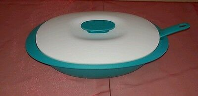 New Tupperware Essentials Legacy Rice Server Bowl with Spoon 7 1/2 cups