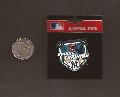 New York Yankees Spring Training 2012 Palm Pin (Mint On Card)
