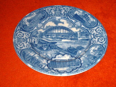Very rare Maling Exhibition platter 1929 with Ringtons offices and warehouse
