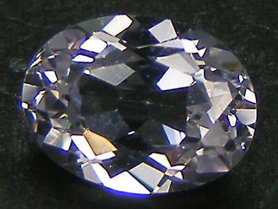 TAILLE OVALE 8x6 MM. SAPHIR BLANC DE SYNTHESE VERNEUIL