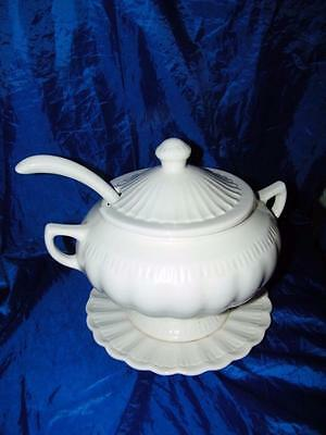 Vintage California Pottery Ivory Soup Tureen Cream White Lid Ladle Plate 13505