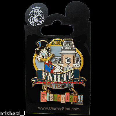 DISNEY DLR WELCOME ANNUAL PASSHOLDER 2007 SCROOGE McDUCK DANGLE PIN *MOC* FAILTE