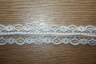 10 metres x 25mm VINTAGE STYLE SCALLOPED IVORY LACE & PEARL BEADED TRIM RIBBON