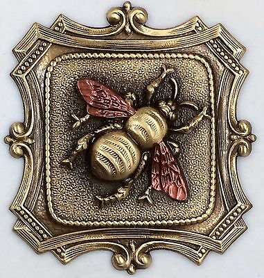 """LARGE Stamped Brass""""BRONZE LEAFED~BUBBLE BEE"""" Picture Button~ 2""""Inch"""