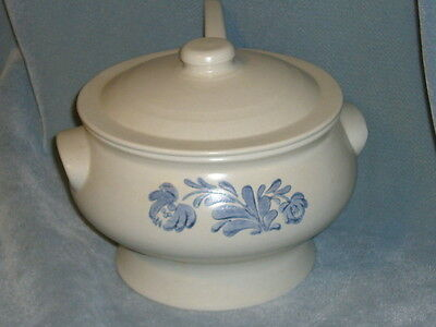 PFALTZGRAFF SOUP TUREEN WITH LADLE YORKTOWNE PATTERN