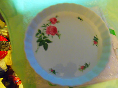 NEW in Box Christineholm Pink Roses Porcelain Quiche Pie Tart Plate Scalloped