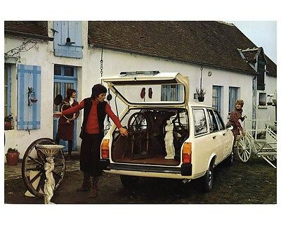1972 Peugeot 504 Station Wagon Automobile Photo Poster zca2312