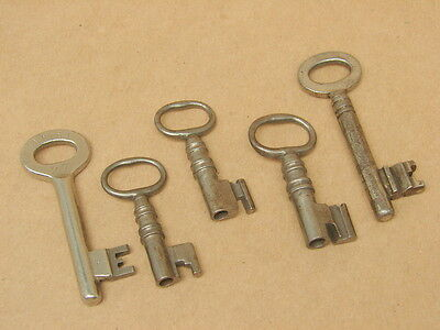 Antique Vintage Skeleton Keys Lot / 5 Keys Total