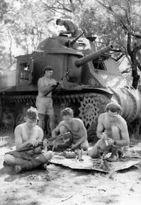 WW2  Photo Australian M3 Tank Small Arms Australia WWII
