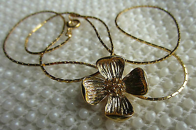 Vintage Style Gold Tone Plated Dogwood Flower Necklace Pendant 18 In. Chain