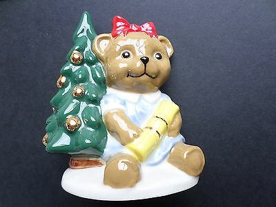 1998 Wade bear ornament ~ Annabel waiting for Christmas