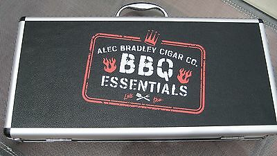 ALEC BRADLEY CIGAR COMPANY BBQ ESSENTIALS GRILLING SET WITH CASE ~ NEW IN BOX ~