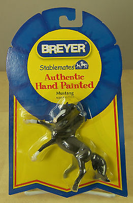 """BREYER Stablemates MUSTANG HORSE Authentic Hand Painted  New on Card 4 x 3"""""""
