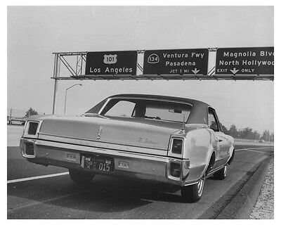 1967 Oldsmobile Cutlass Automobile Photo Poster zch8301