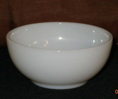 """FIRE KING 5"""" WHITE GLASS BOWL #8 Milk Baking Dish Oven Ware soup cereal MINT USA"""