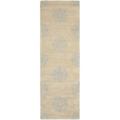 Safavieh Handmade Medallion Beige New Zealand Wool Rug (2'6 x 12')
