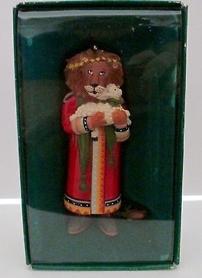 MARY ENGELBREIT Lion Holding Lamb Ornament #5679-8  Dated 1986 - New in Box
