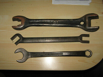 Mixed Lot of Vintage of Old Wrenches /Tools   (9)  Wrenches totalled