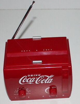 COCA COLA VINTAGE RADIO ICE COLD FM AM DIMENSION 15z10x12cm
