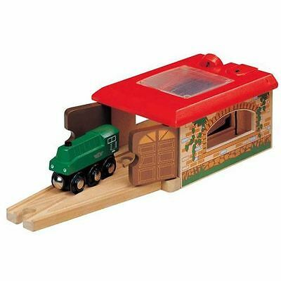 Wooden Railway - Thomas & Brio Compatible Double Track Engine Shed - 50940 - New
