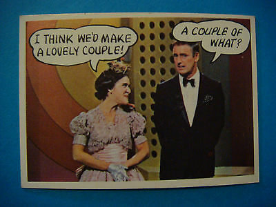 """1968 Topps Rowan & Martin's """"Laugh In"""" Trading Card #22 <*> Make A Lovely Couple"""