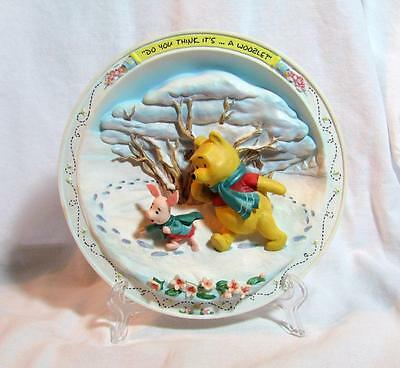 "DISNEY Winnie the POOH Christmas Winter Figural PLATE ""Woozle"" PIGLET 7"" MINT"