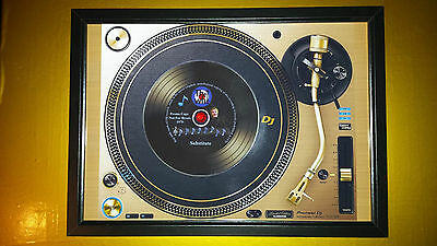 THE WHO Vinyl Promo copy playing on a turntable CD Memorabilia Frame,Substitute