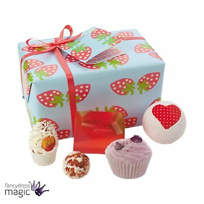 Bomb Cosmetics Strawberry Patch Gift Pack Natural Wrapped Mothers Day Bath Set