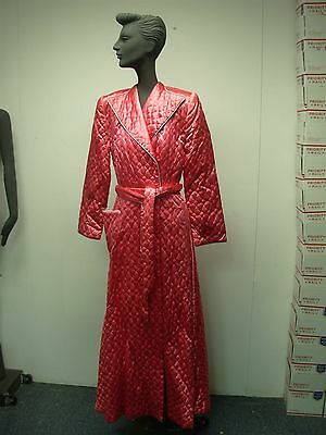 """VINTAGE 1930s HOT PINK LADIES SATINY QUILTED BATHROBE ROBE ~ BUST 32"""""""