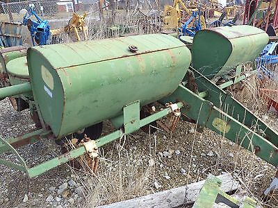 John Deere 494 four row corn planter is a two disc planter Great for food plat!