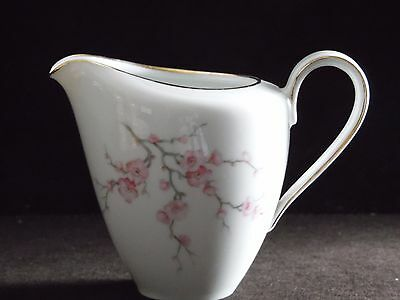 Hutschenreuther Selb Bavaria Germany China Favorit Almond Blossom Creamer