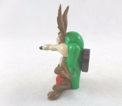 WB PVC Wile E Coyote Cactus Dya Figure Warner Brothers Looney Tunes Lot magnet