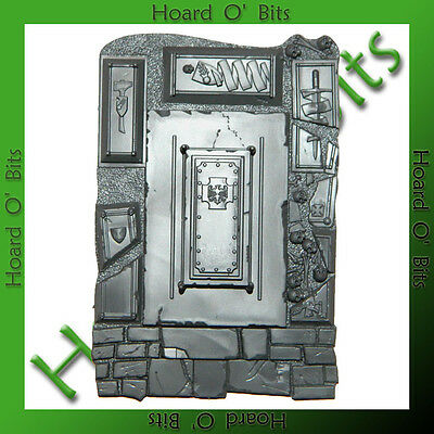 WARHAMMER BIN BITS GARDEN OF MORR - BASE with CROSS CASKET