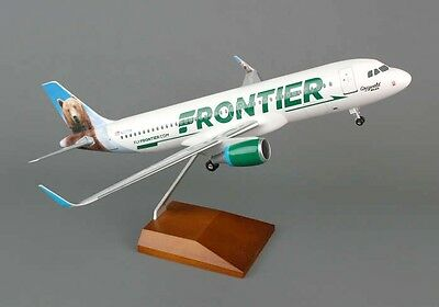 Skymarks SKR8319 Frontier Airlines Airbus A320 Desk Display 1/100 Model Airplane