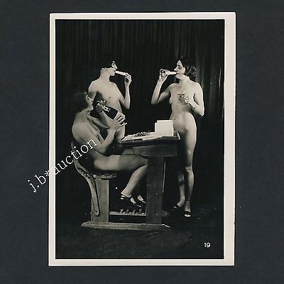 "R ! NUDE AT SCHOOL NACKTE SCHULE Vintage 20s BIEDERER ""L"" Photo Lesbian Int #19"