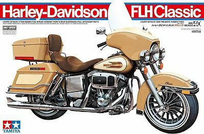 Tamiya 16040 1/6 Scale Motorcycle Model Kit Harley Davidson FLH Classic