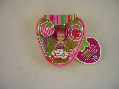 Strawberry Shortcake figure - Raspberry Torte by Hasbro