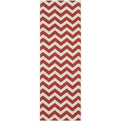 Safavieh Courtyard Chevron Red Indoor/ Outdoor Rug (2'3 x 8')