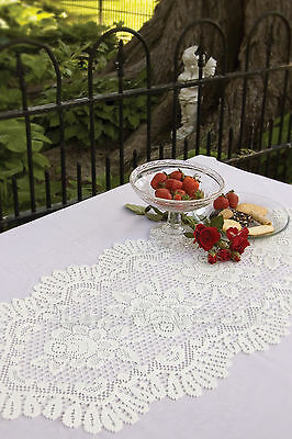 Rose Table Runner By Heritage Lace, Your Choice Of 3 Sizes In 2 Colors,