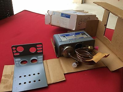 Johnson Controls P72Na-1 Pressure Control Rare New Nos $159