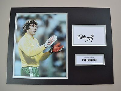 Pat Jennings Signed 16x12 Photo Autograph Display Northern Ireland Memorabilia